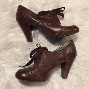American Eagle vegan brown oxford heels size 7.5